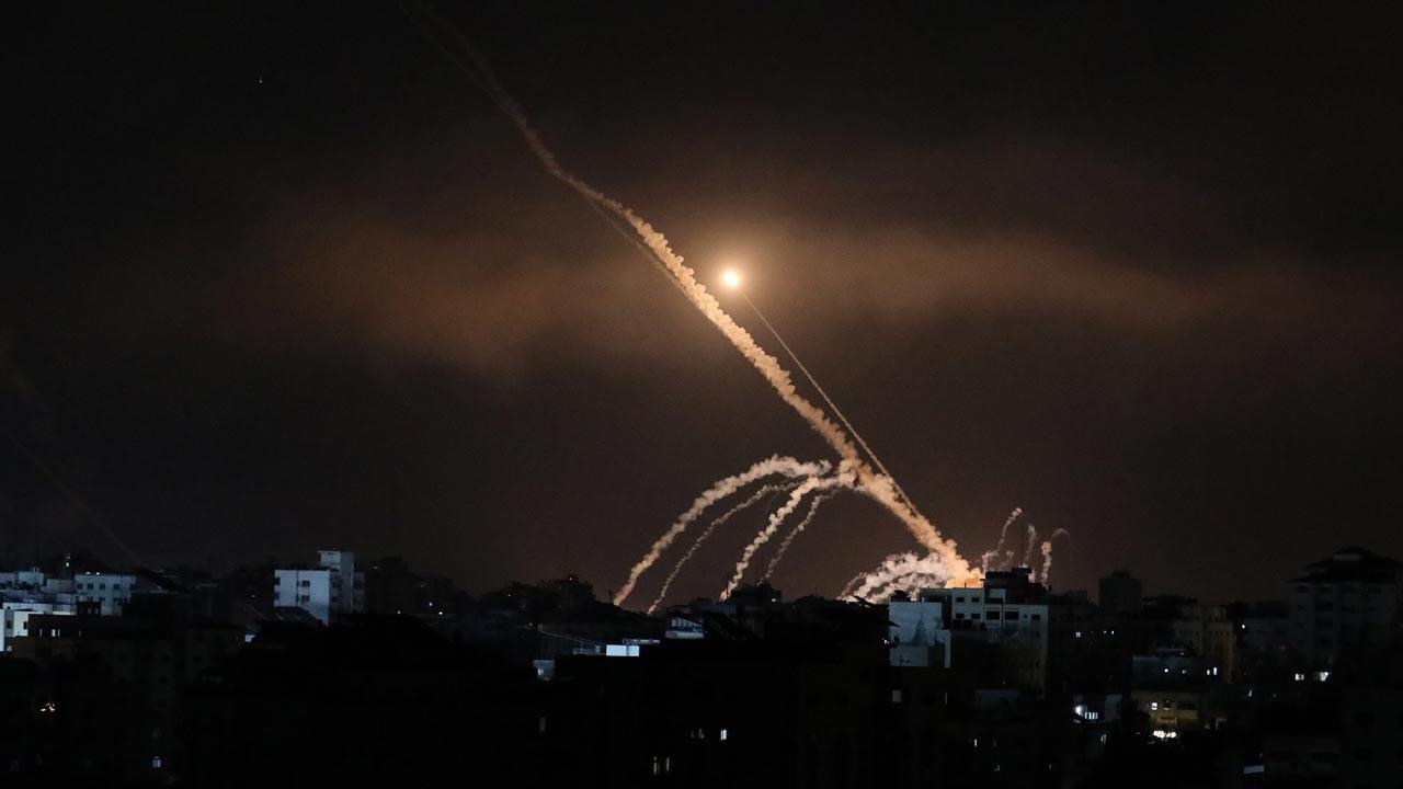 Hamas İsrail'e roket saldırısı düzenledi