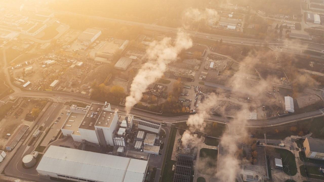 Sıfır emisyon için yıllık 1 trilyon dolarlık yatırıma ihtiyaç var