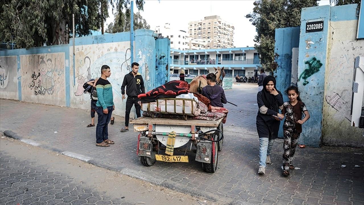 BM: Gazze'de en az 52 bin kişi yerinden edildi