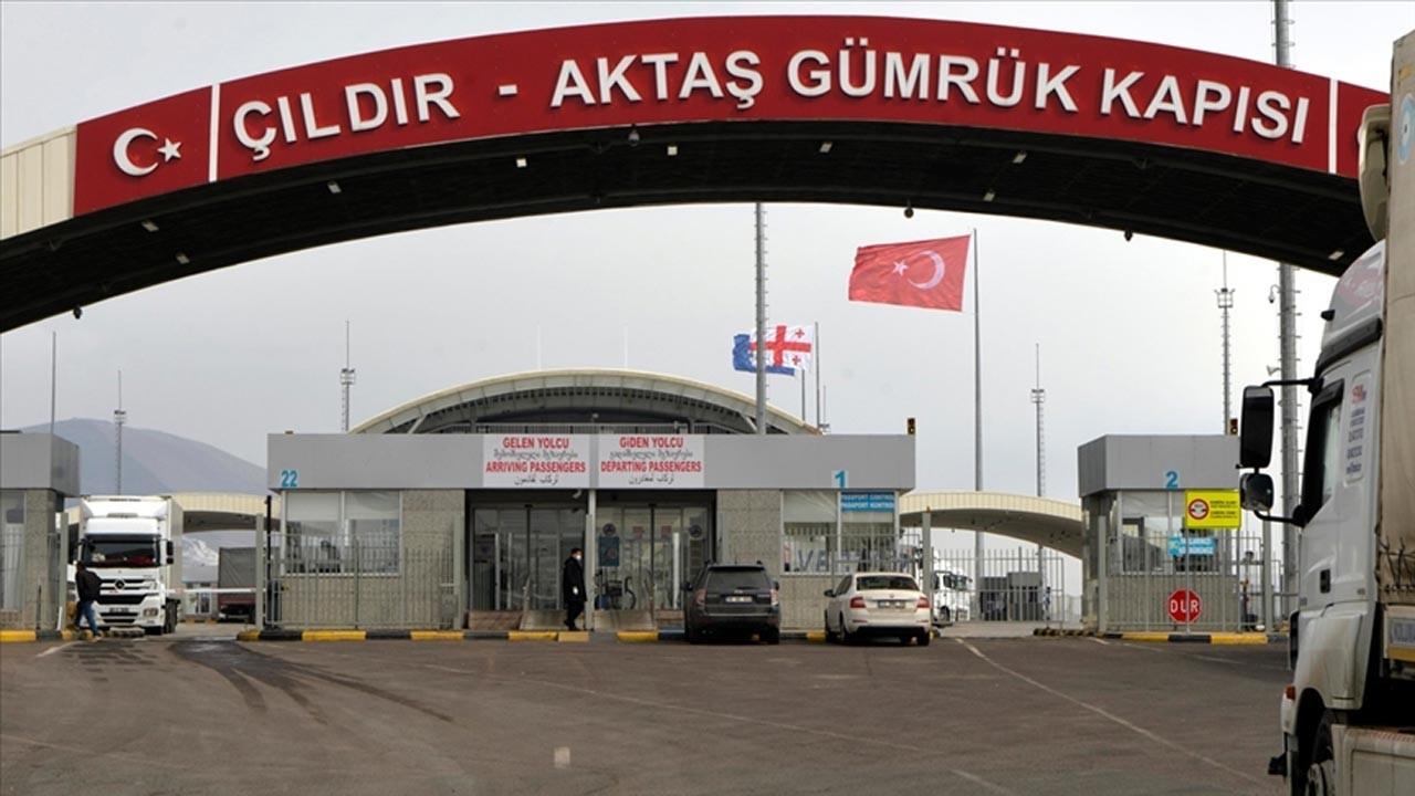 Gürcistan Türkiye'ye iki sınır kapısını açıyor