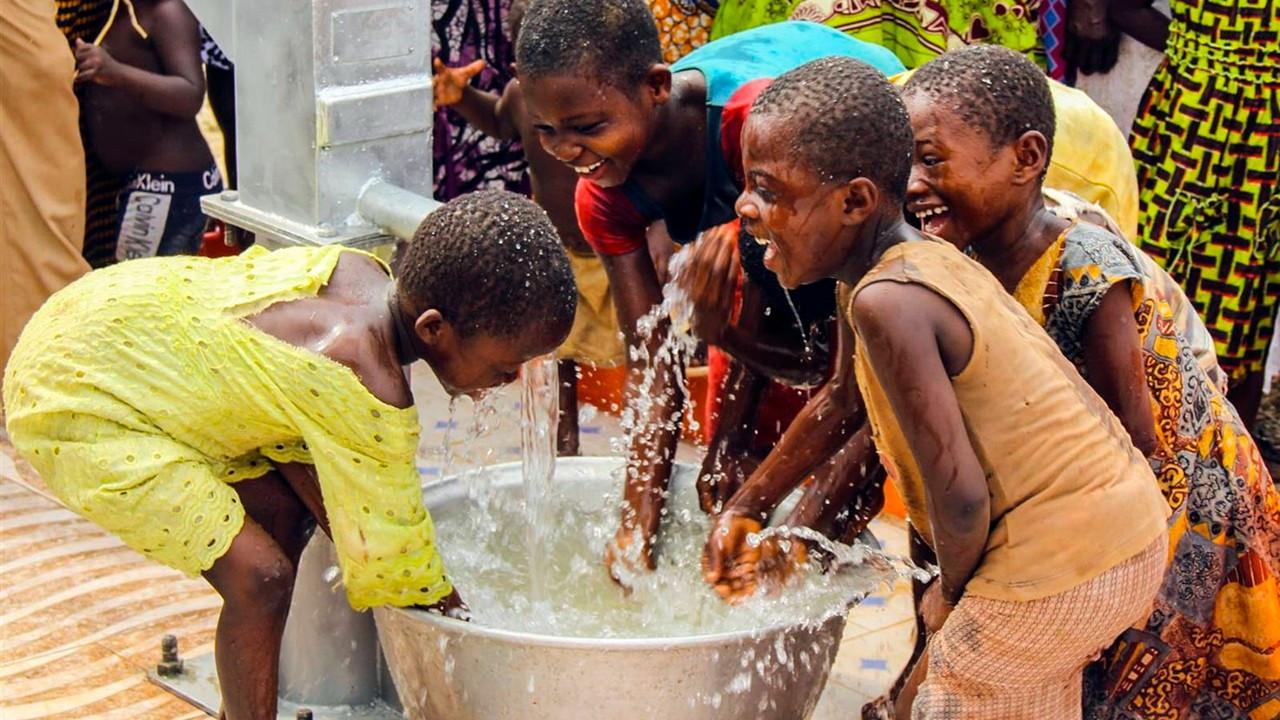 İHH, 120 ülkeden 800 bin yetim çocuğa yardım götürdü