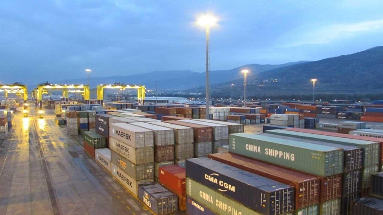 Dış ticaret açığı eylülde yüzde 48 azaldı