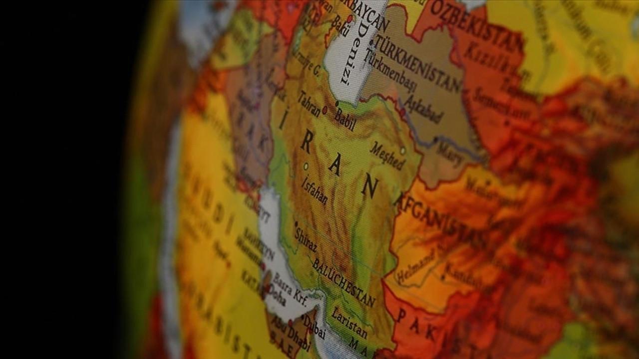 İran'ın en büyük donanma gemisi Basra Körfezi'nde battı