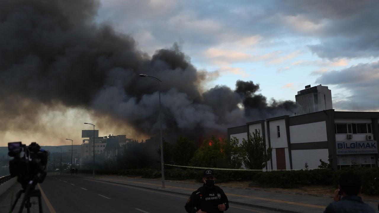 Ankara'da büyük iş merkezi yangını