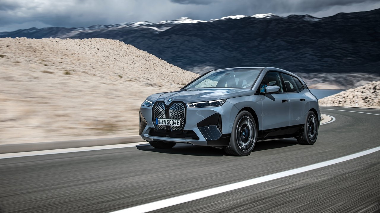 Yeni elektrikli BMW'ler yolda