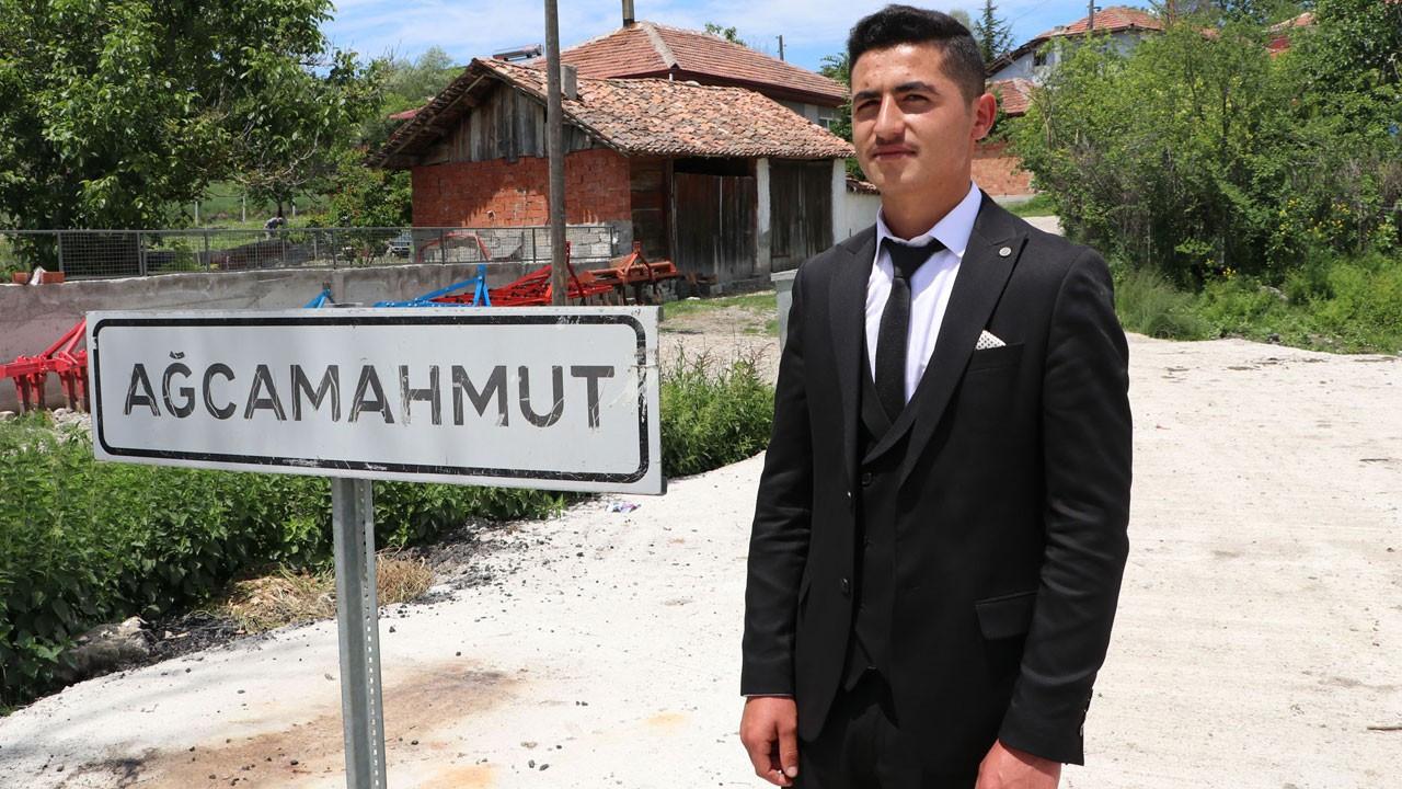 Samsun'da 18 yaşındaki genç muhtar seçildi