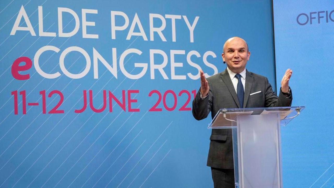 Avrupa liberallerinin yeni Başkanı Türk asıllı İlhan Küçük oldu