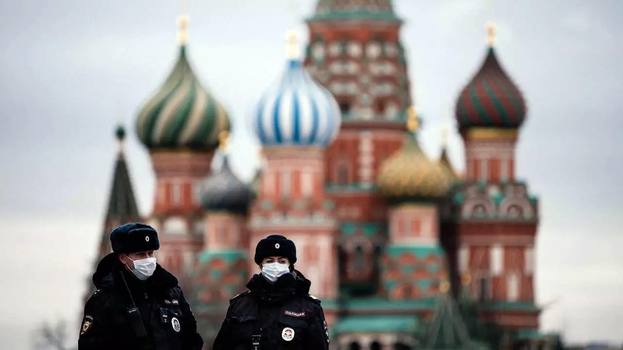 Moskova'da COVID-19 nedeniyle tatil ilan edildi