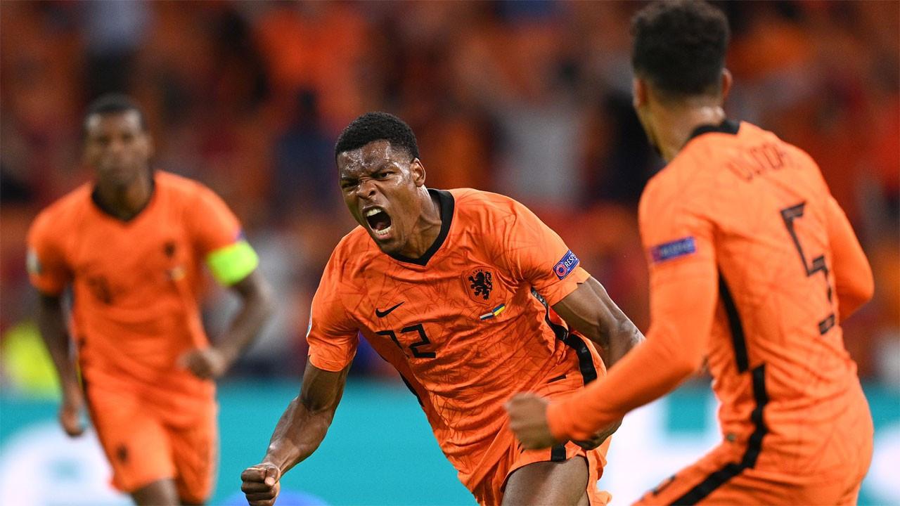 Hollanda Ukrayna'yı 85'te devirdi: 3-2