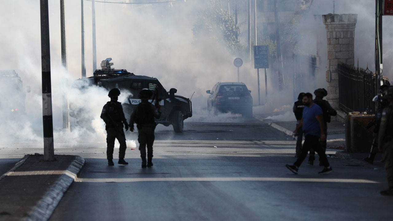 İsrail polisi Kudüs'te Filistinlilere müdahale etti: 33 yaralı