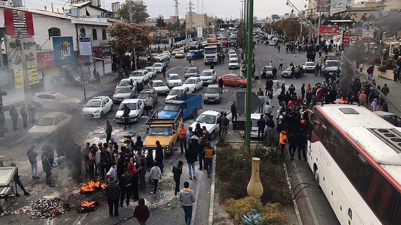İran'da petrol işçilerine zam sözü