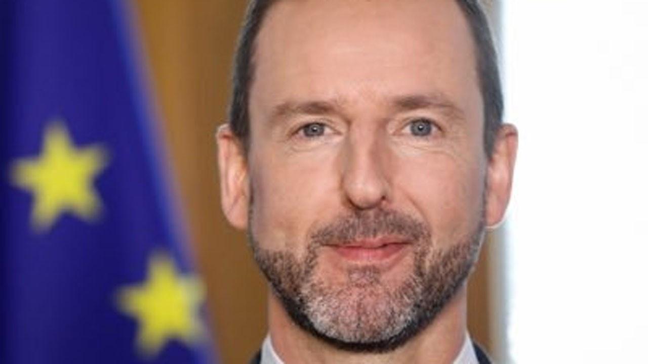 Lüksemburg Başbakanı Bettel'in COVID-19 testi pozitif çıktı