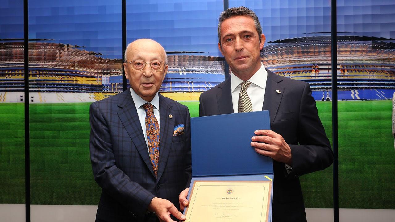 Fenerbahçe'de Ali Koç ve yönetim mazbatalarını aldı