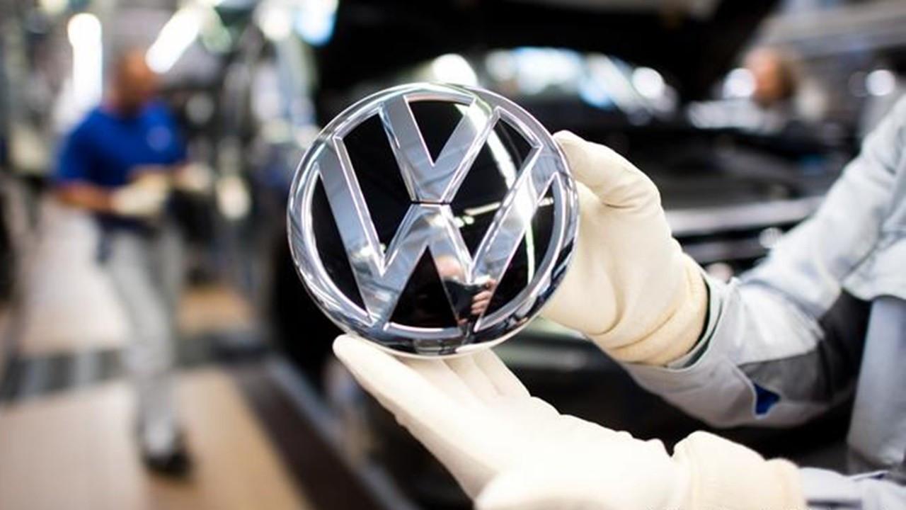 AB'den Volkswagen'e emisyon tazminatı talebi