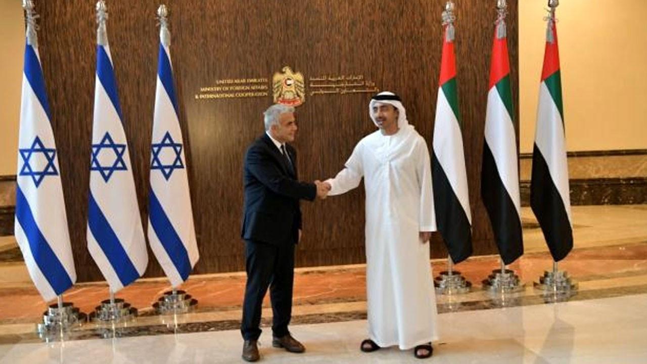 BAE ve İsrail, Abu Dabi'de ticari anlaşmalara imza attı
