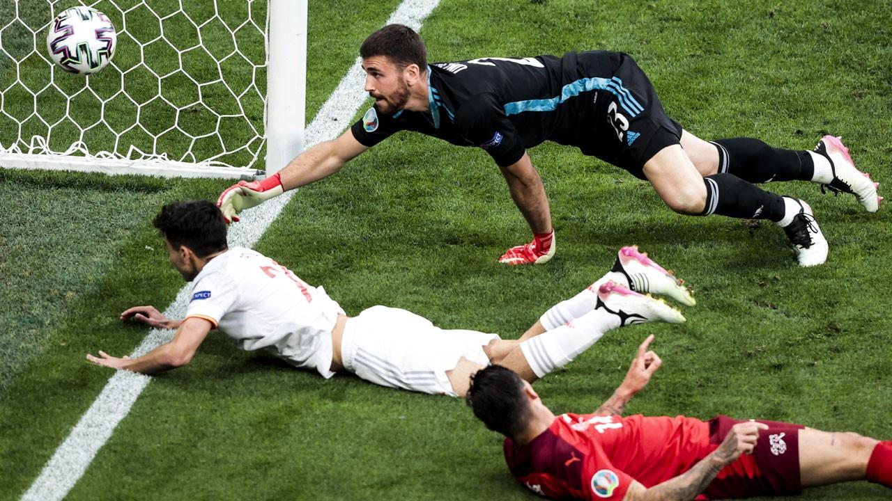 İspanya İsviçre'yi penaltılarda devirdi: 3-1