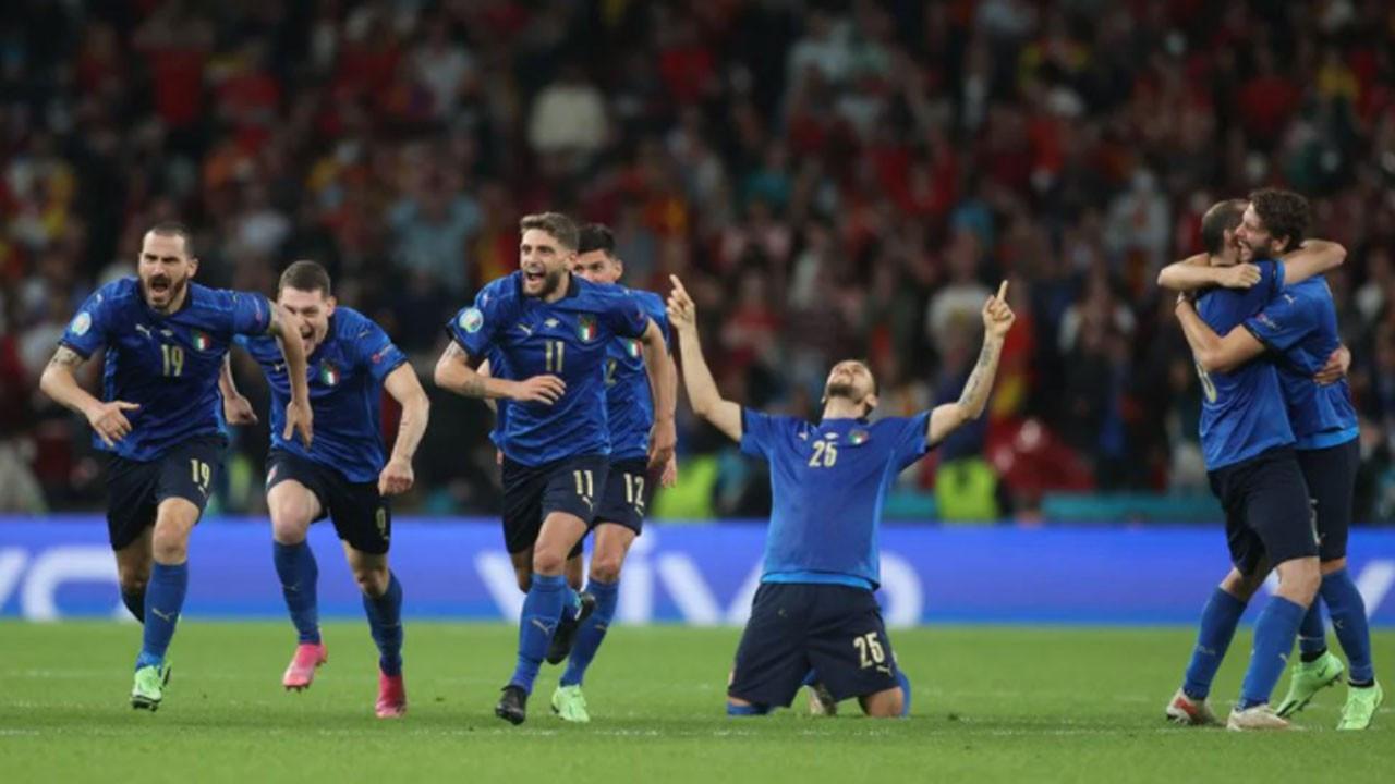 Avrupa Şampiyonası'nda İtalya finalde