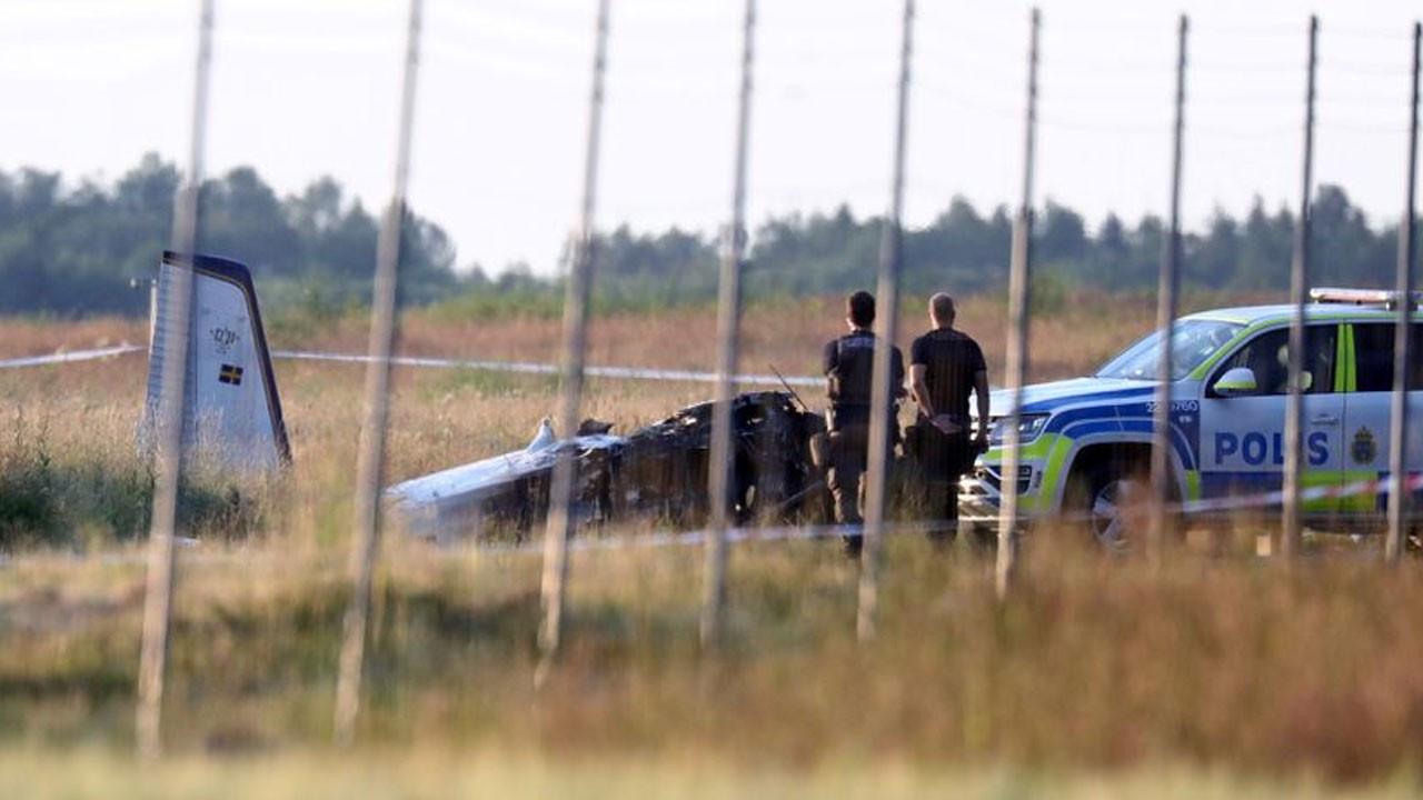 İsveç'te 9 kişiyi taşıyan uçak düştü
