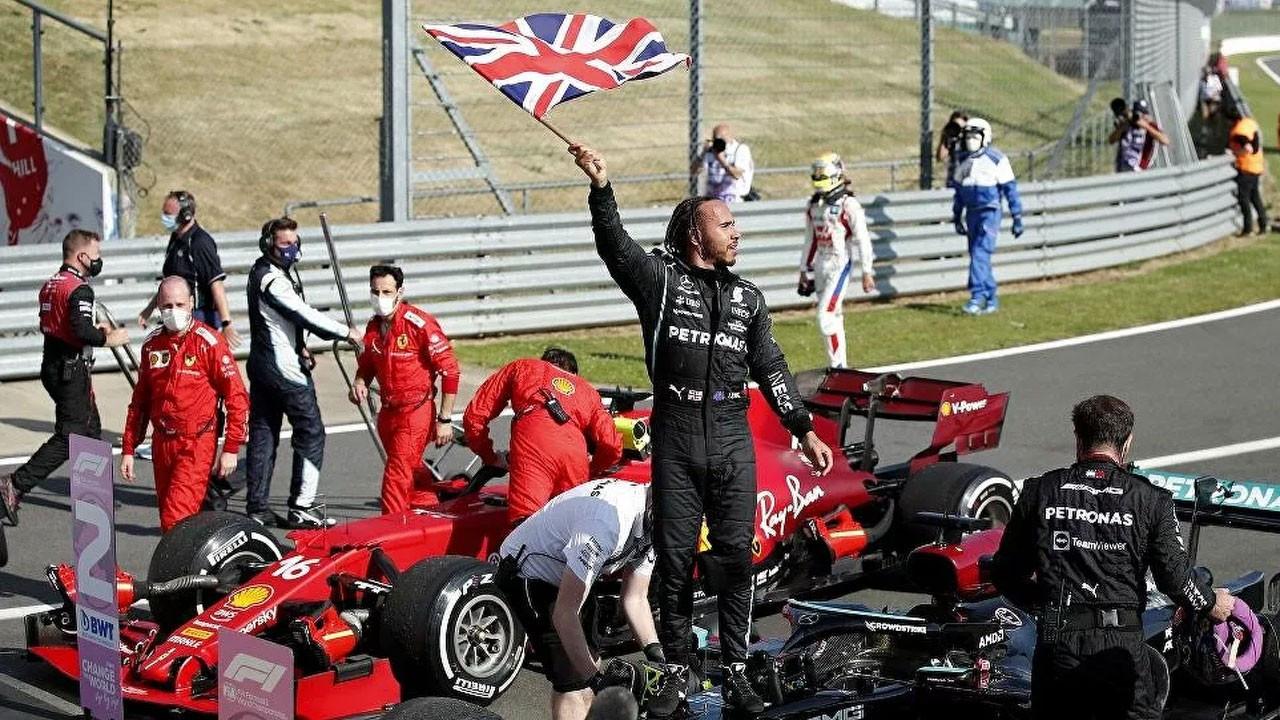 F1 Britanya GP'sini Lewis Hamilton kazandı
