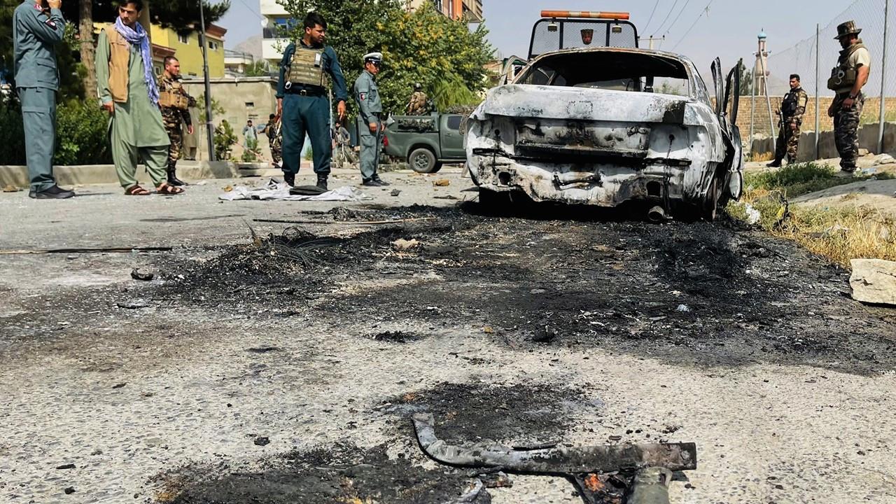 Kabil'de cumhurbaşkanlığı sarayı yakınlarına roket saldırısı