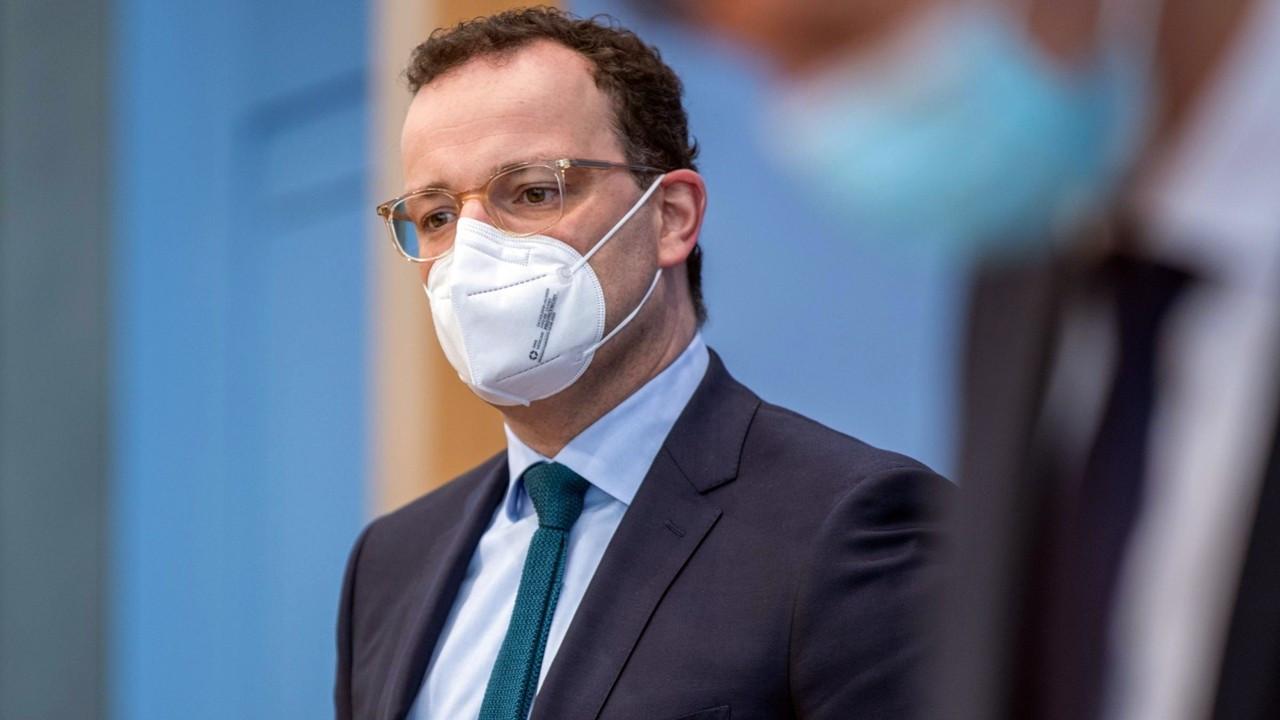 Almanya Sağlık Bakanı Spahn: Vakalarda ciddi artış yaşanabilir