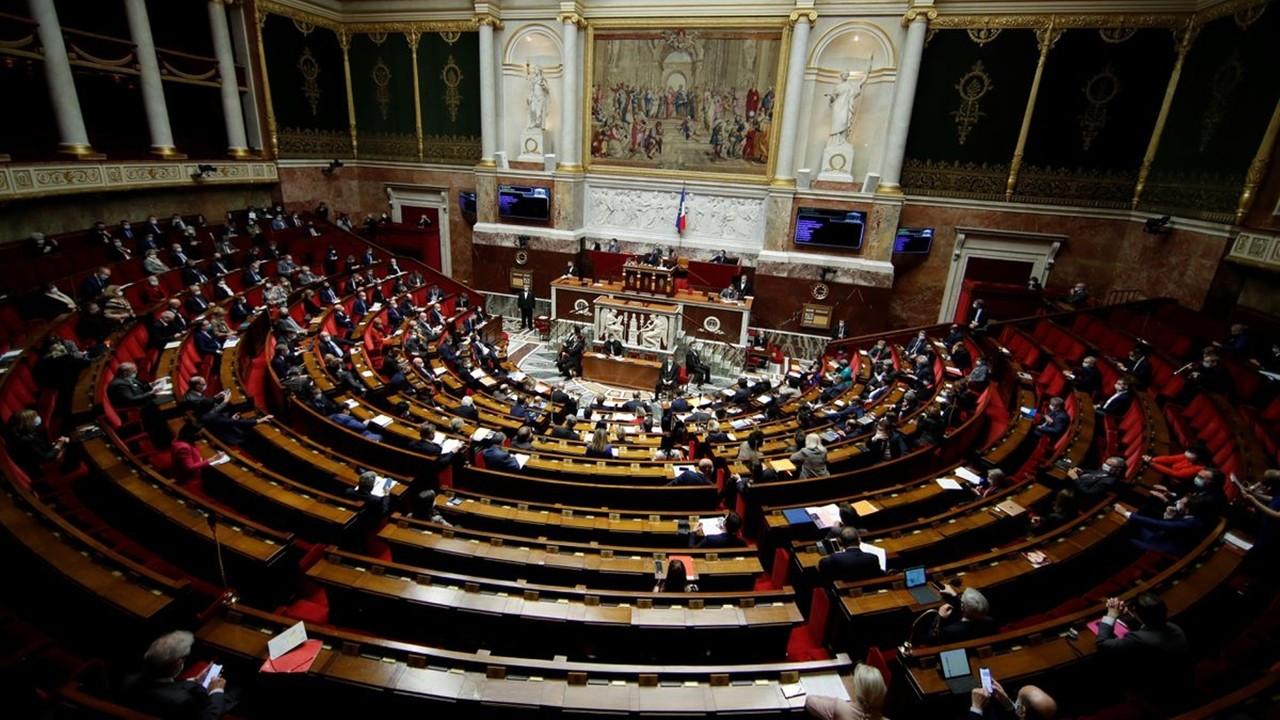 Fransa'da aylardır tartışılan iklim tasarısı kabul edildi