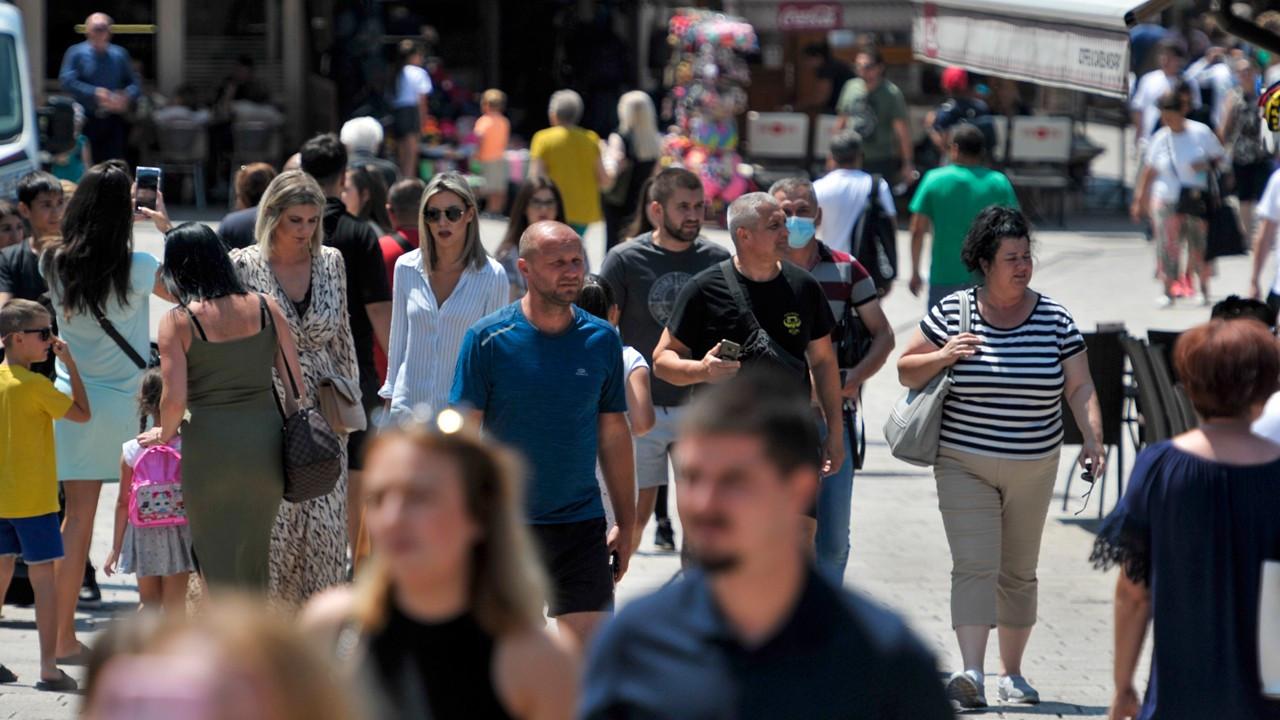 Avrupa'da vakalar artıyor, kısıtlamalar geri geliyor
