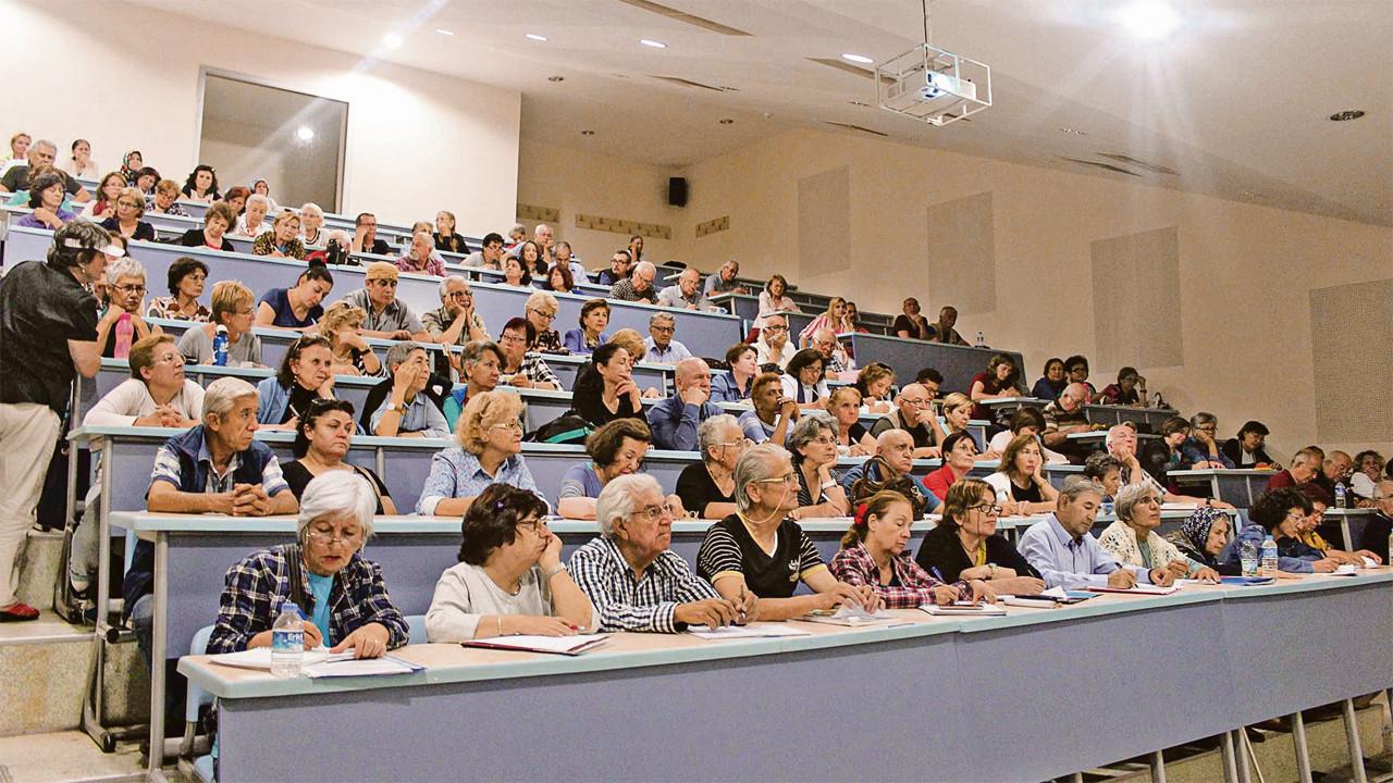 60 yaş üstüne yeni nefes: Tazelenme Üniversitesi