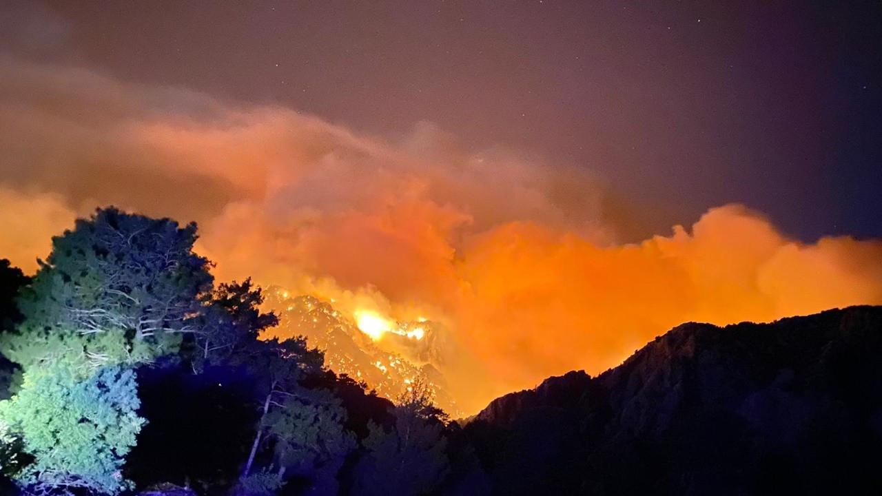 Akseki'deki yangına müdahale ediliyor: 1 kişi hayatını kaybetti