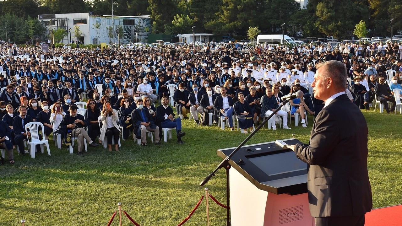 Turkcell Genel Müdürü Erkan'dan gençlere çağrı: Vakit kaybetmeden harekete geçin