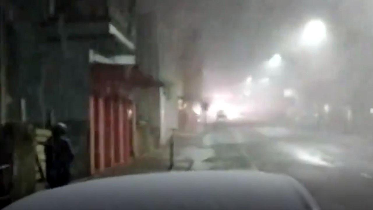 Brezilya'da kar yağdı yollar sokaklar beyaza büründü