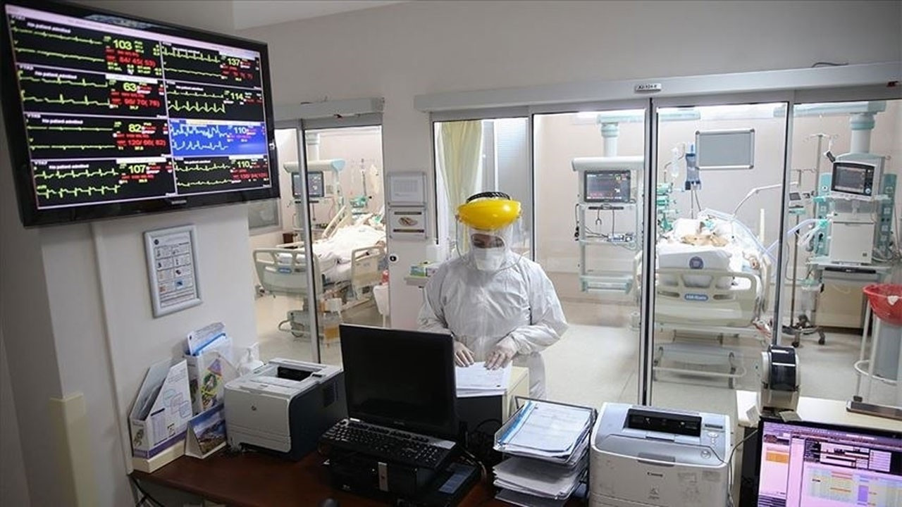 COVID-19'da 24 saatte 22 bin 83 yeni vaka, 69 ölüm