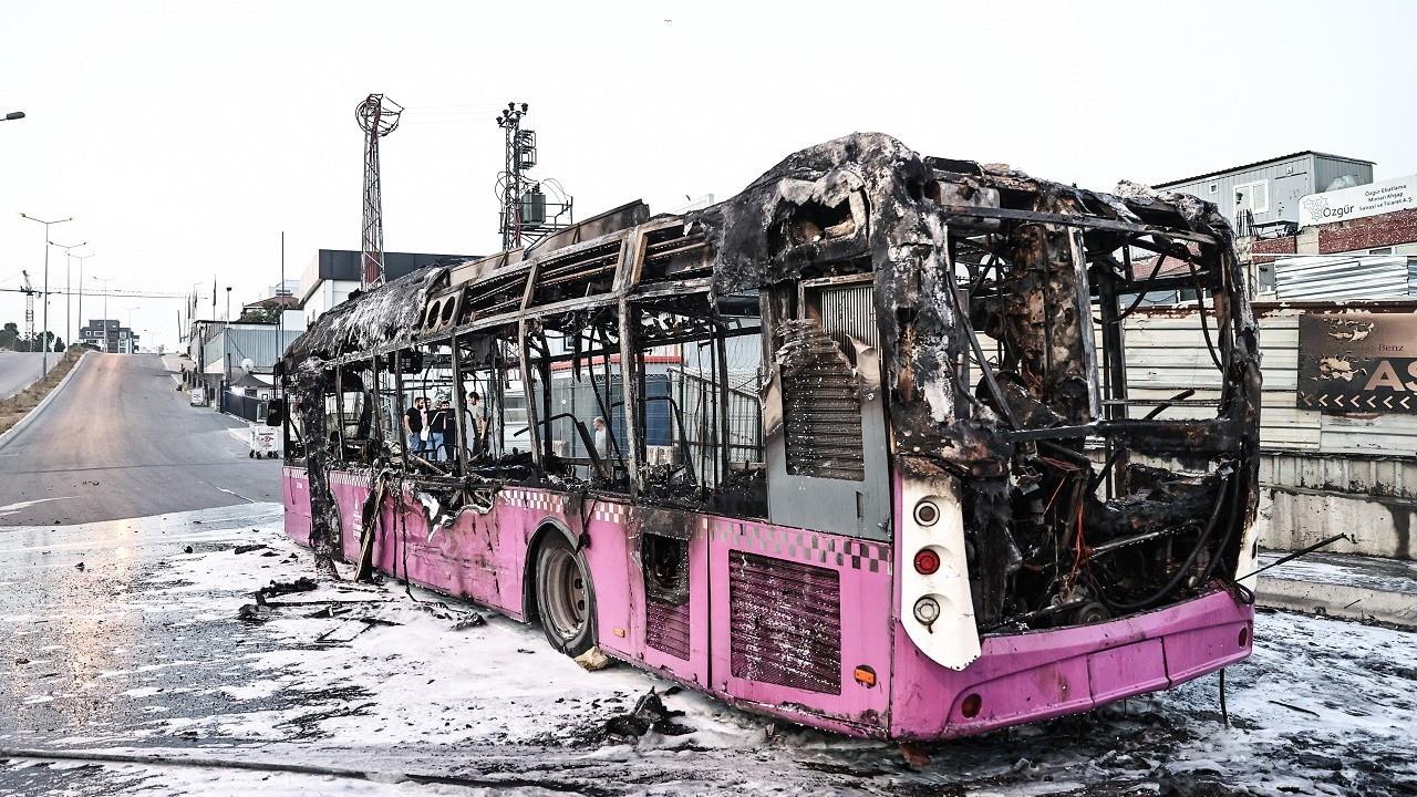 Seyir halindeki otobüste yangın çıktı