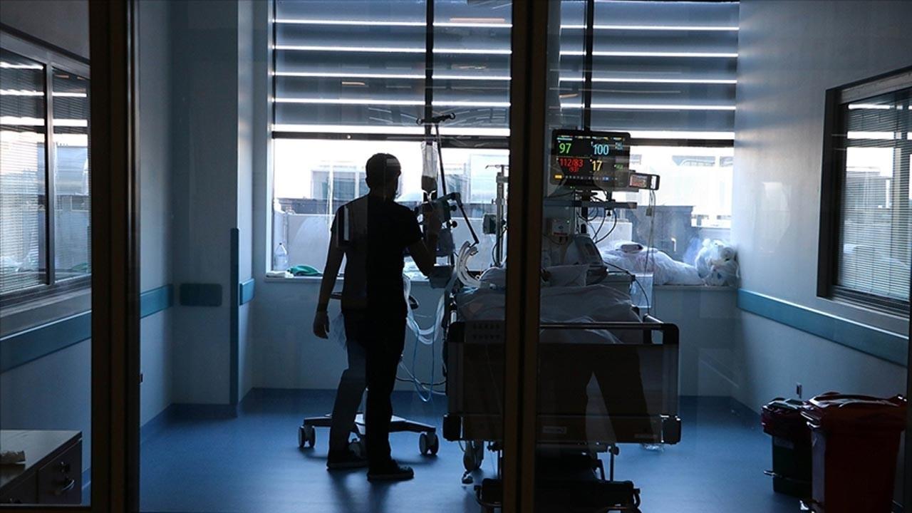 COVID-19'da 20 bin 890 yeni vaka, 96 ölüm