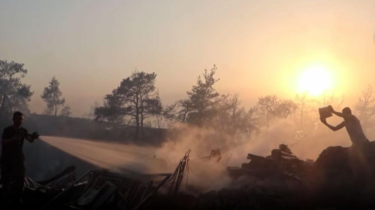 Marmaris'te yangın yerleşim yerlerine ulaştı