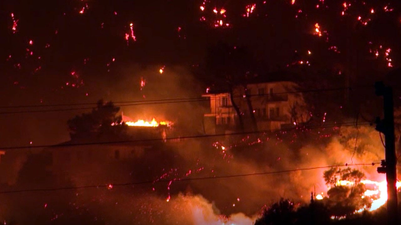 Yangın Kemerköy Termik Santrali'ne dayandı