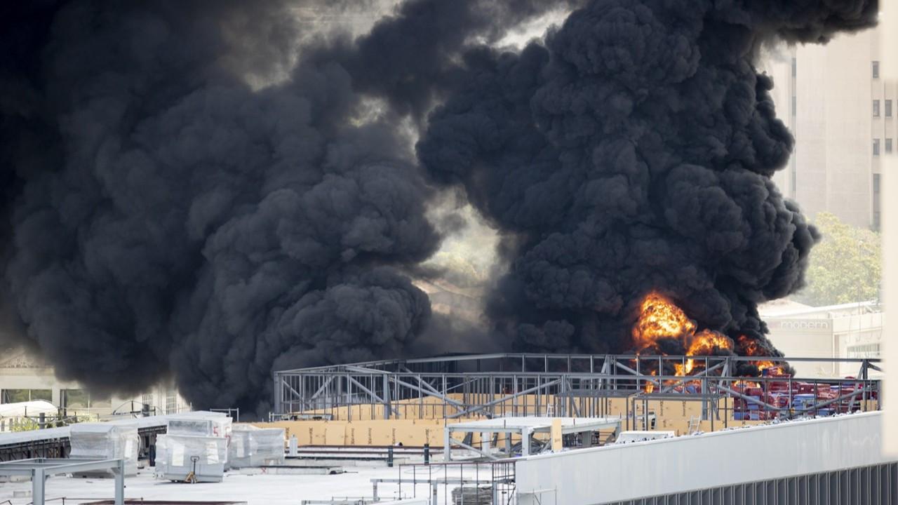 Medipol Üniversitesi inşaatında yangın