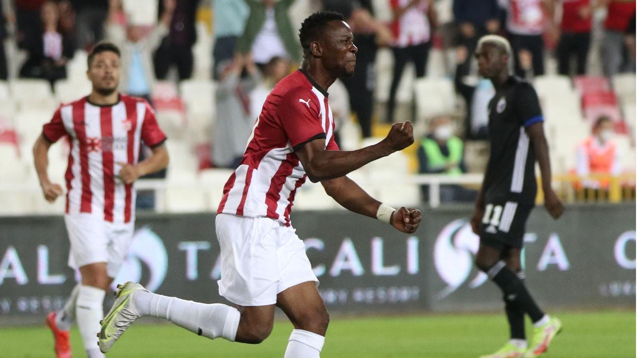 Sivasspor Kopenhag karşısında turu zora soktu: 2-1