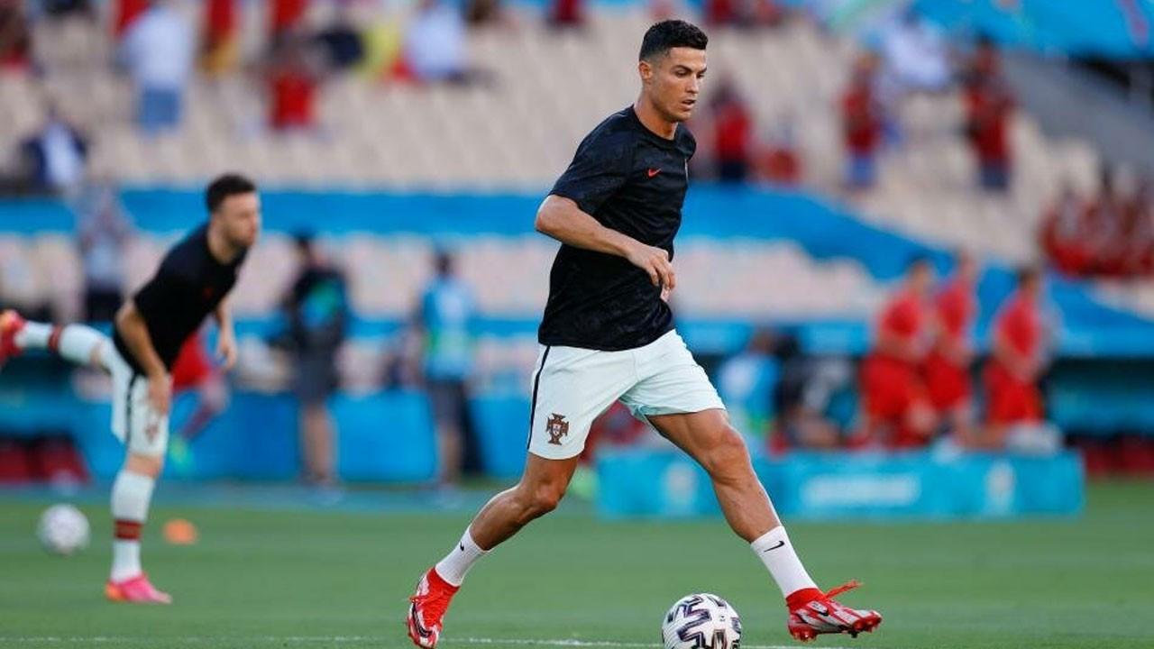 Cristiano Ronaldo, Manchester United ile anlaştı
