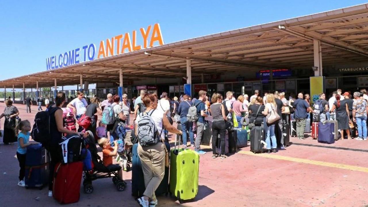 Antalya'ya gelen turist sayısı 5 milyonu geçti