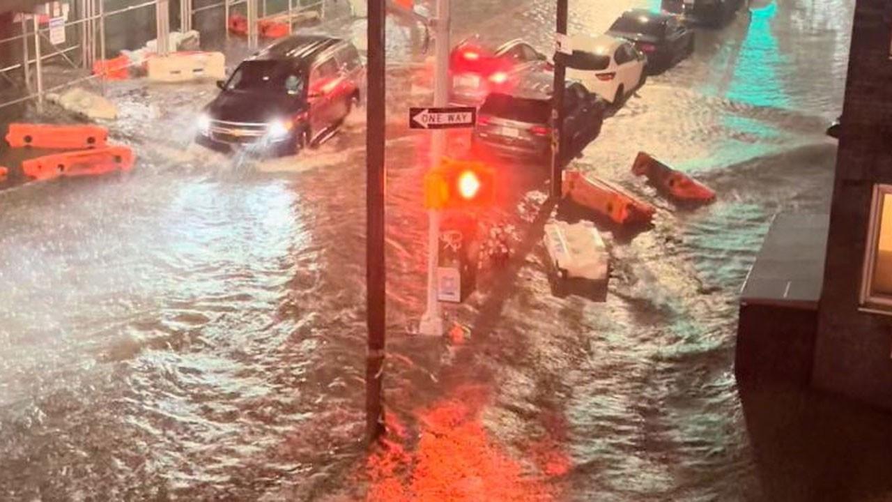 New York metrosu sular altında kaldı