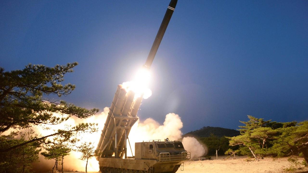 Kuzey Kore'den yeni tip uzun menzilli füze denemesi