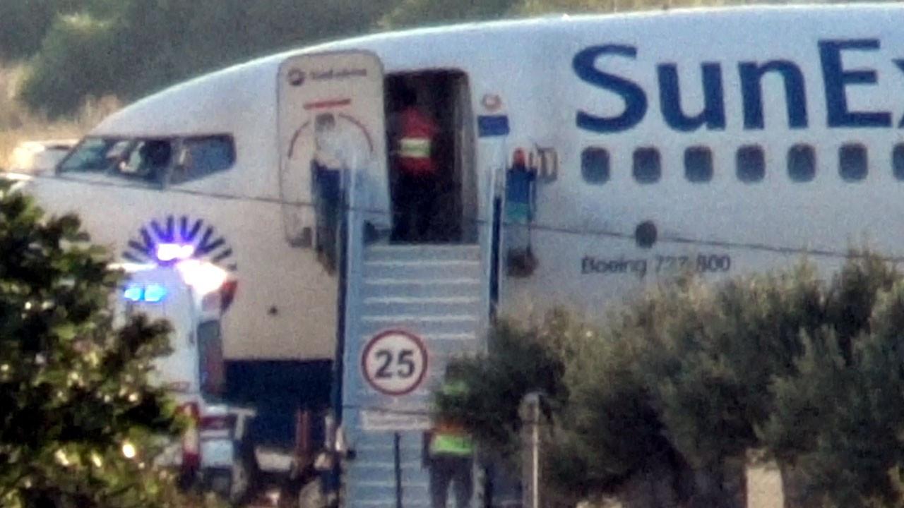 Yolcusu kalp krizi geçiren uçak Balıkesir'e acil indi
