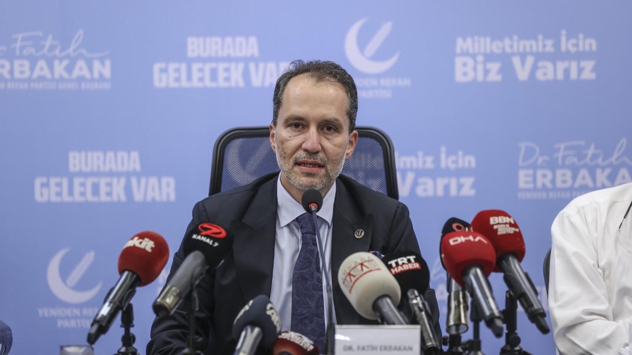 Erbakan: mRNA aşılarının genetik yapıyı bozması mümkün