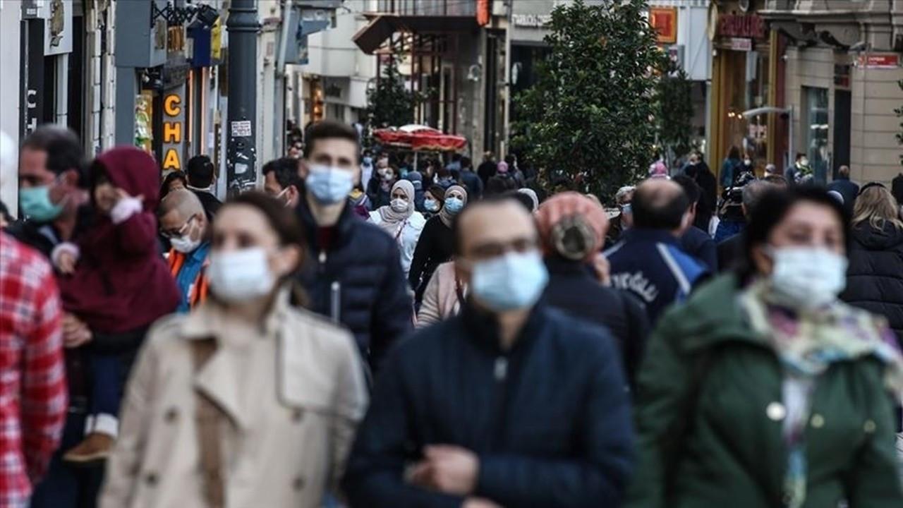 'Virüs aşılanmayanların arasında çoğaldıkça yeni varyantlar oluşabilir'