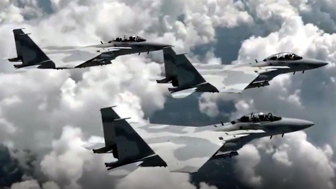 Katar, F-15 savaş uçaklarını uçurdu