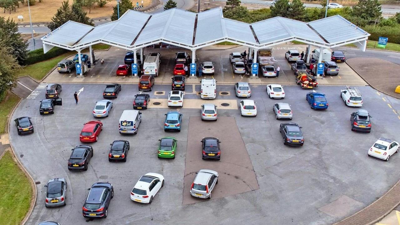 Market ve benzin istasyonu krizine çözüm aranıyor