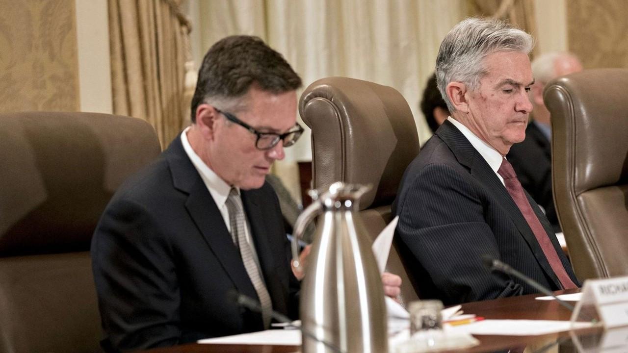 Fed yetkililerinin portföyleri gündemden düşmüyor