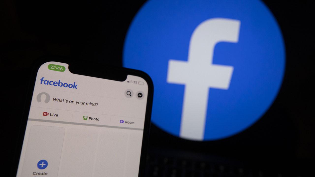 Muhbir konuştu: Facebook hem gençlere hem demokrasiye zarar veriyor