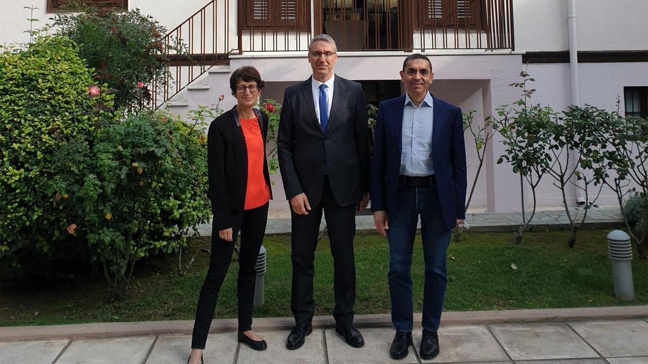 Özlem Türeci ve Uğur Şahin Atatürk Evi'ni ziyaret etti